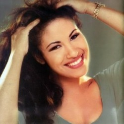Selena (7)